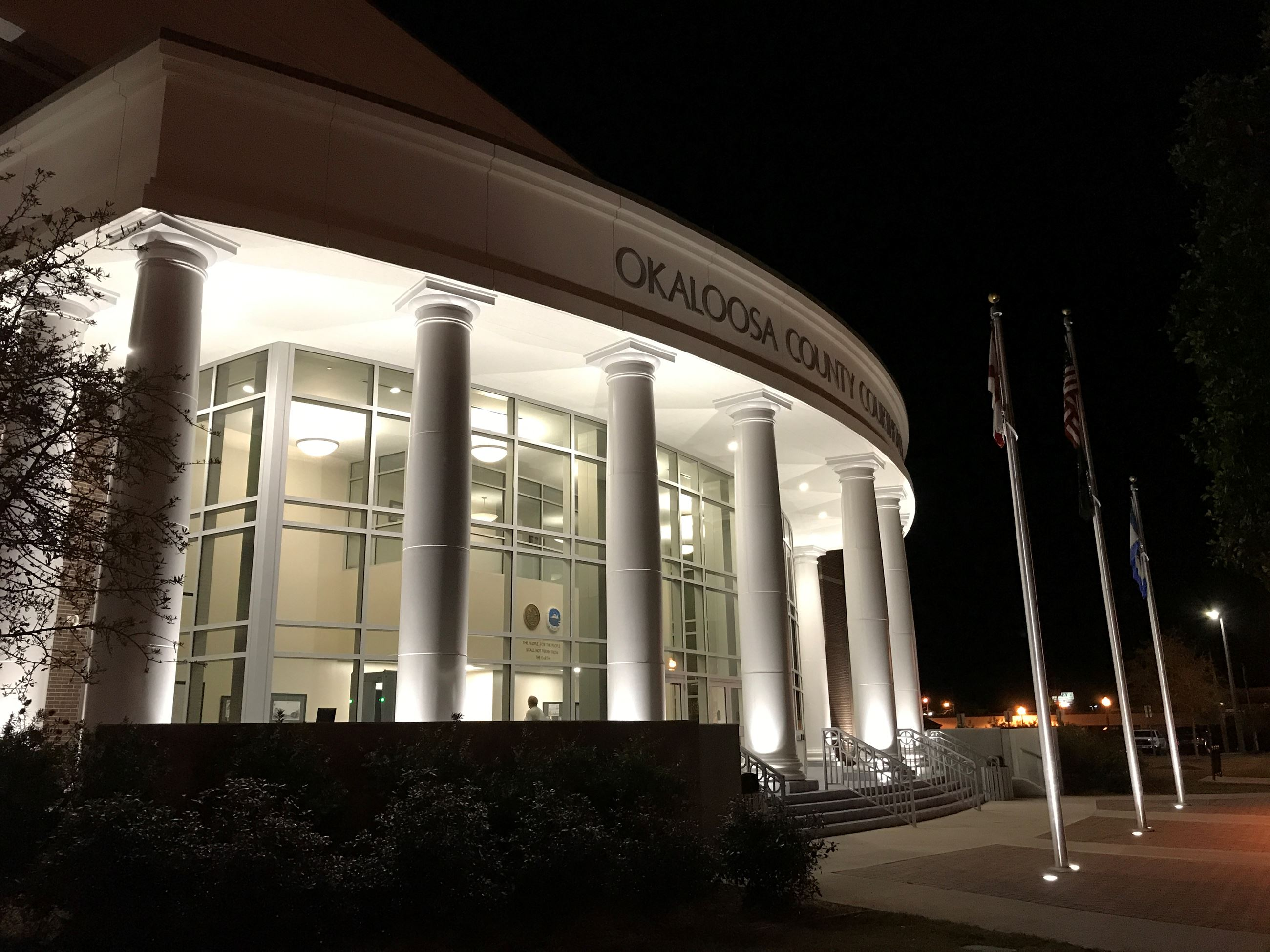 Okaloosa county courthouse at night